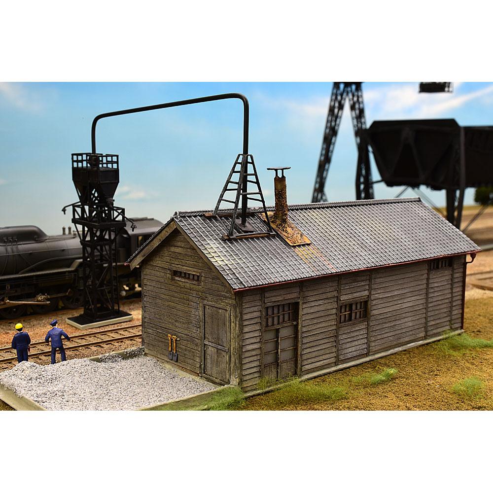 砂焼き小屋と給砂塔